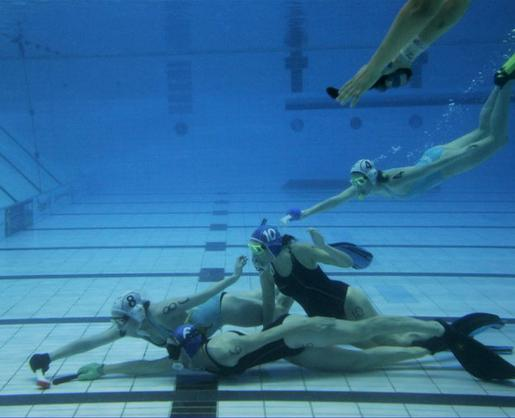 underwater-hockey